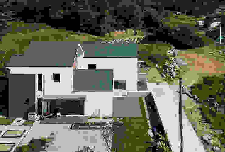 주택 조경 및 텃밭 by 라움 건축사사무소 모던