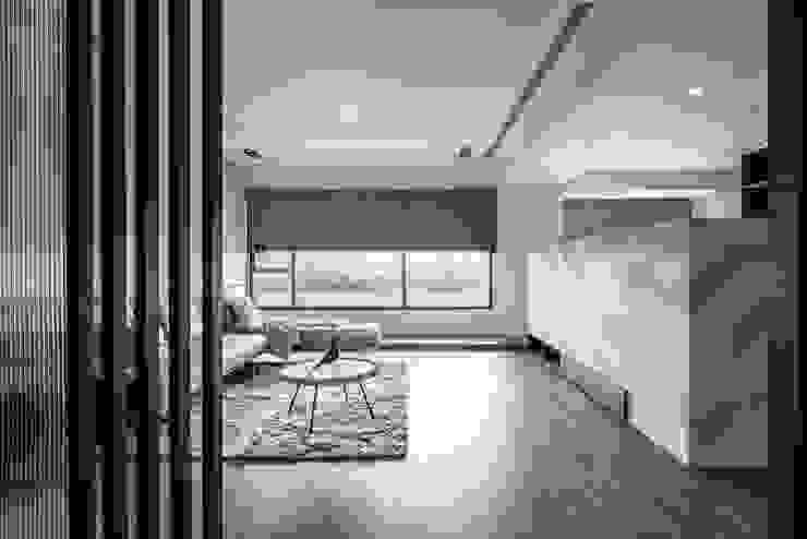 公領域 现代客厅設計點子、靈感 & 圖片 根據 極簡室內設計 Simple Design Studio 現代風