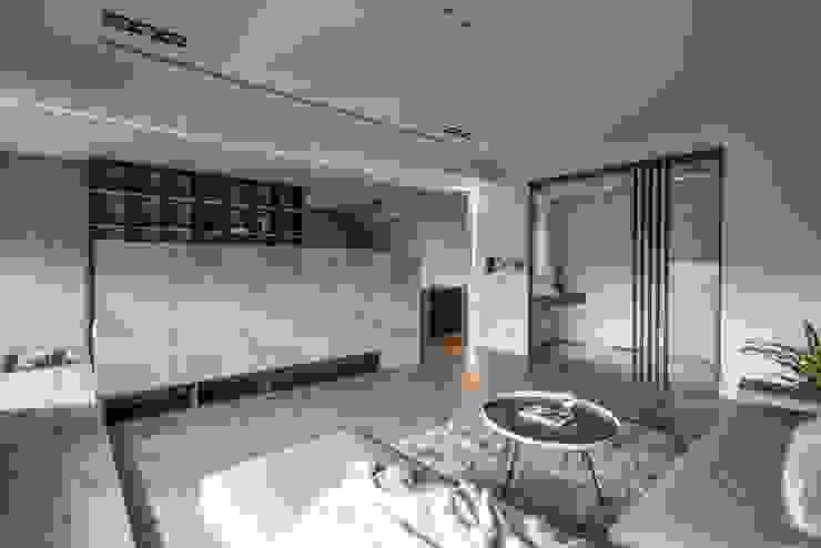 客廳全景 现代客厅設計點子、靈感 & 圖片 根據 極簡室內設計 Simple Design Studio 現代風