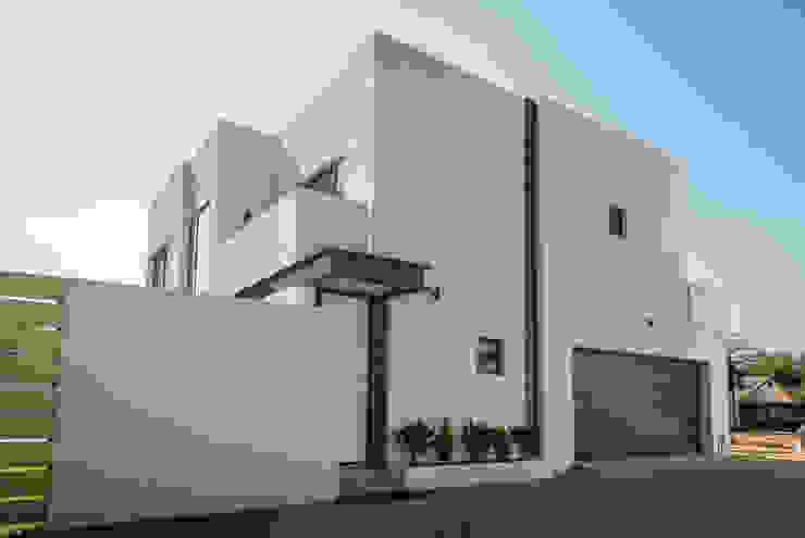 street elevation by LEAF Architects Modern Bricks