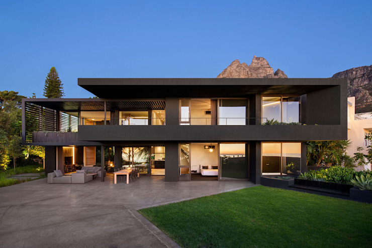 Wright Architects Single family home Black