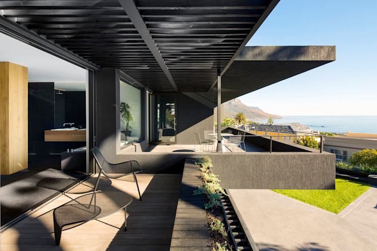 Wright Architects Balcony Aluminium/Zinc Black