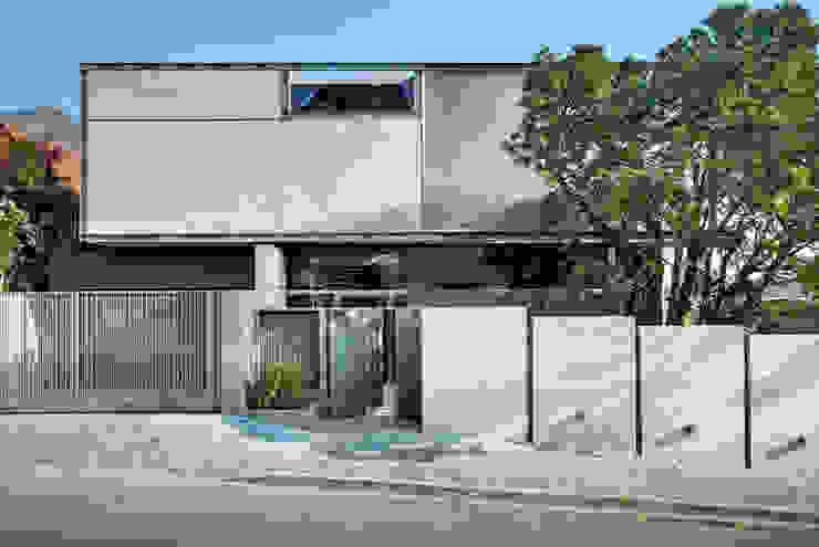 Wright Architects Rumah tinggal Beton Grey