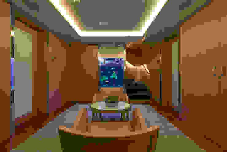 MELIK LUXURY Aquarium Comedores de estilo moderno