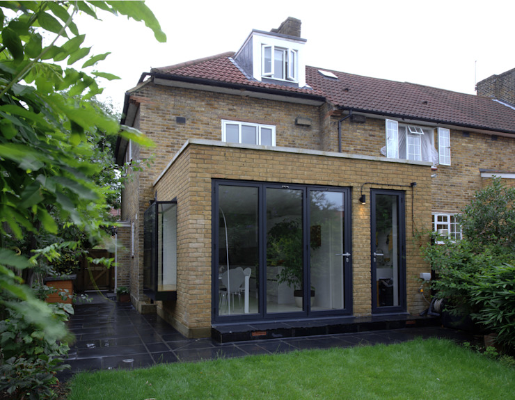 Rear Extension by MAGRITS Modern