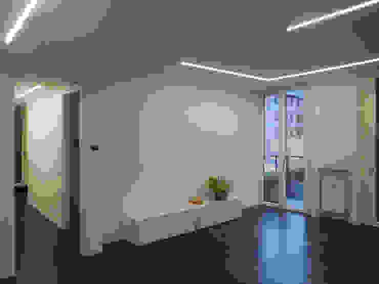 Studio di Architettura IATTONI Minimalistische Wohnzimmer Weiß