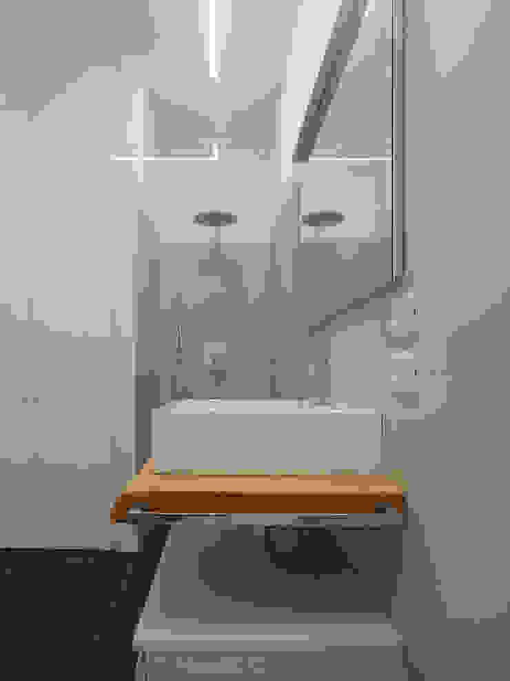 Studio di Architettura IATTONI Minimalist bathroom