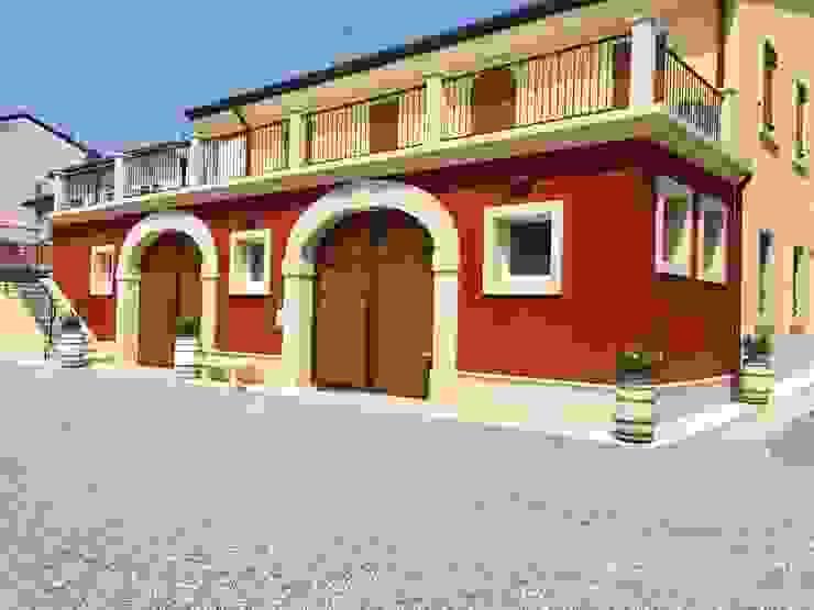 Archi e contorni finestre in tufo Quintarelli Roberto Pietre Cantina moderna