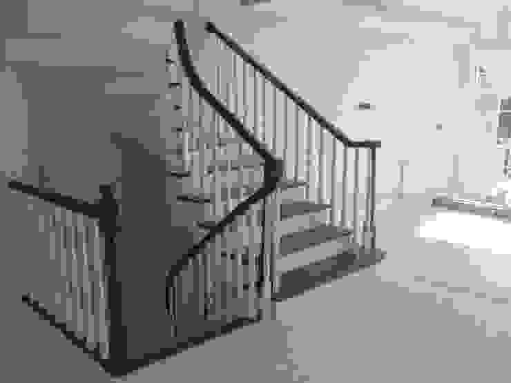 MERDİVENCİ Interior landscaping Engineered Wood White