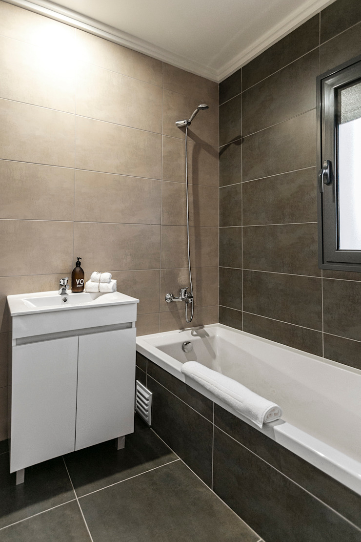 Staging Factory Mediterranean style bathroom
