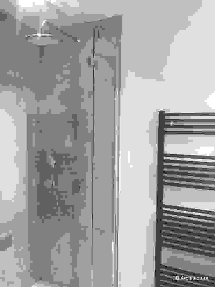 Vue de la salle d'eau de la suite parentale Salle de bain moderne par 3B Architecture Moderne