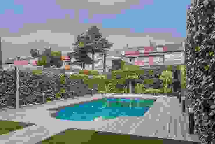 Simetrika Rehabilitación Integral Garden Pool