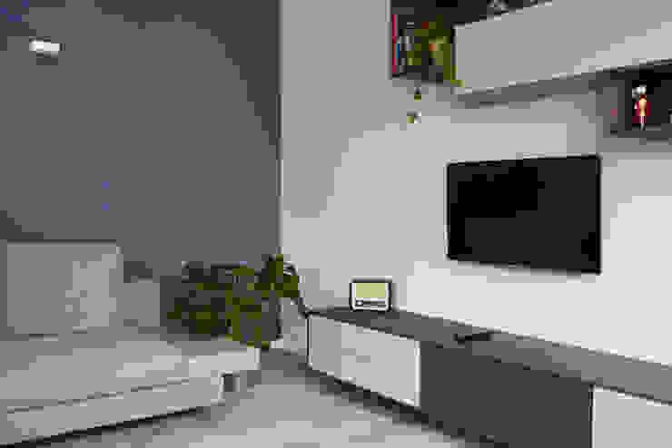 soggiorno blue di Lascia la Scia S.n.c. Moderno Legno Effetto legno