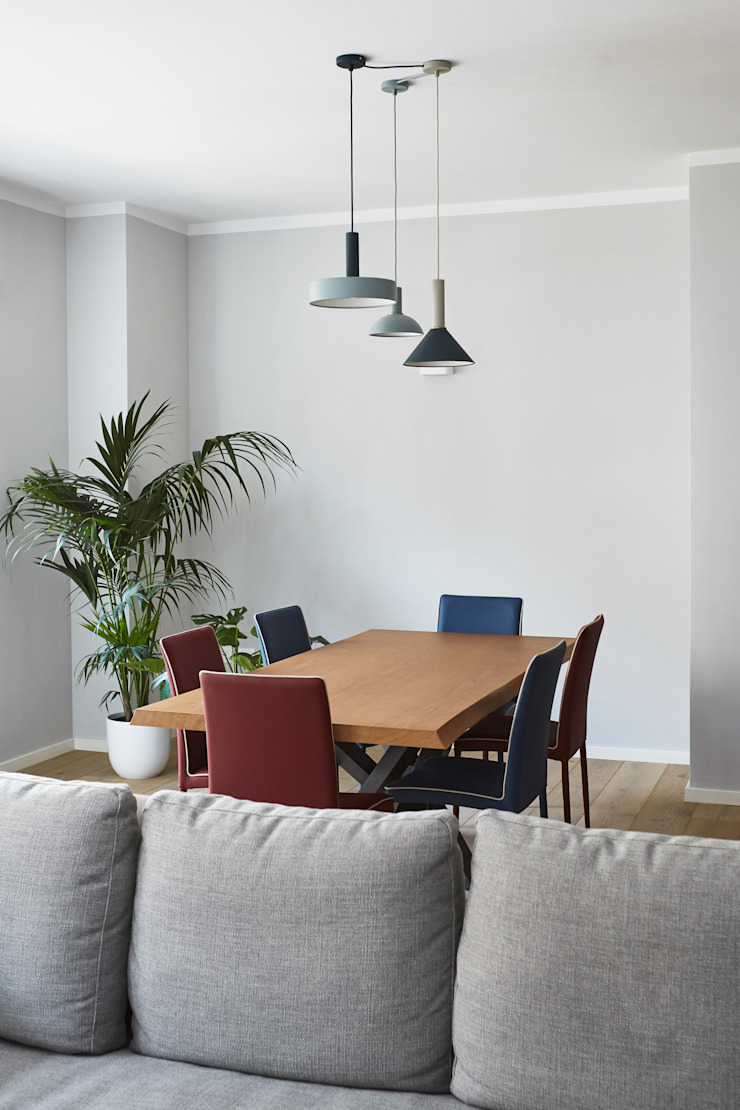 soggiorno tavolo da pranzo Sala da pranzo moderna di Lascia la Scia S.n.c. Moderno