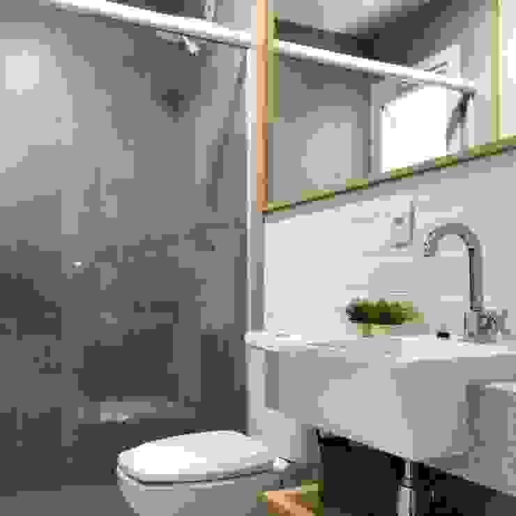 Rabisco Arquitetura Modern bathroom Ceramic White