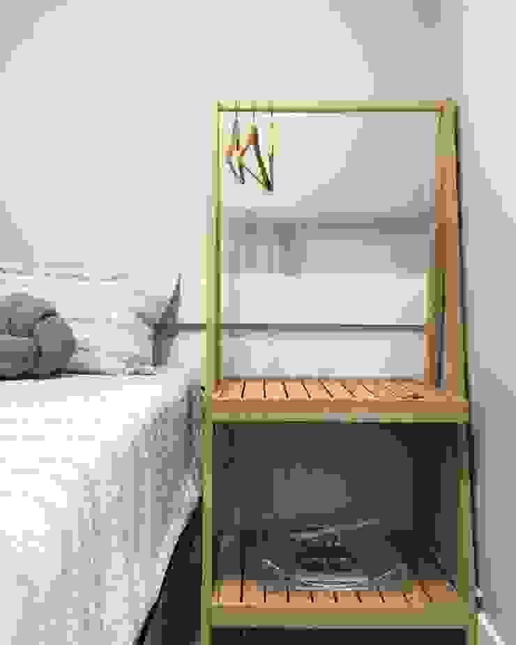 Rabisco Arquitetura Modern style bedroom Wood-Plastic Composite Grey