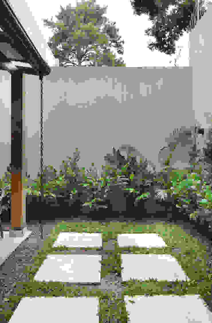 INSIDE ARQUITETURA E DESIGN Jardines de estilo minimalista