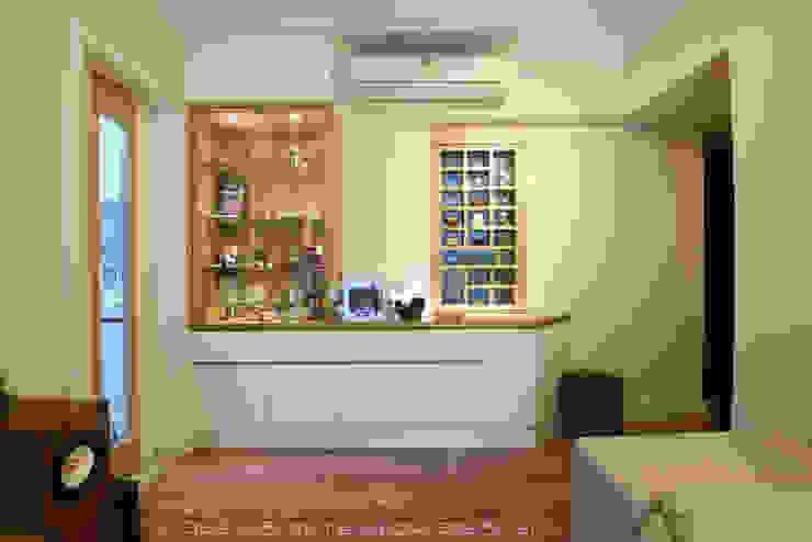Caribbean Coast, Tung Chung Modern living room by 彩葉室內設計工程公司 Modern Plywood