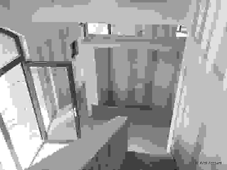 3B Architecture Pasillos, vestíbulos y escaleras modernos Blanco