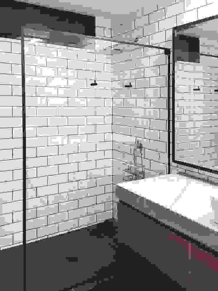 BAÑO MV Baños de estilo minimalista de Nicolas Elias Arquitectura Minimalista Azulejos