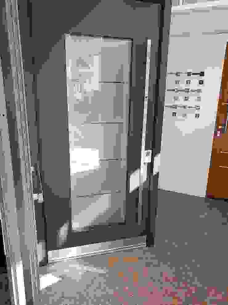 1001-Tuer.de Front doors