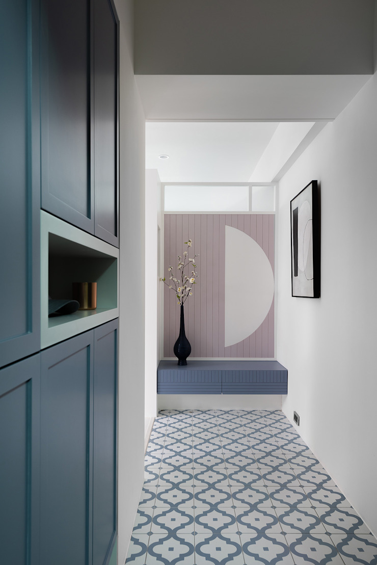 伴月童話 隨意取材風玄關、階梯與走廊 根據 知域設計 隨意取材風