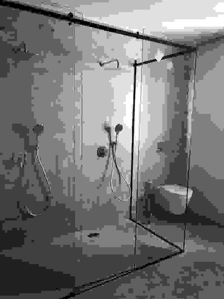 isabel Sá Nogueira Design Baños de estilo ecléctico