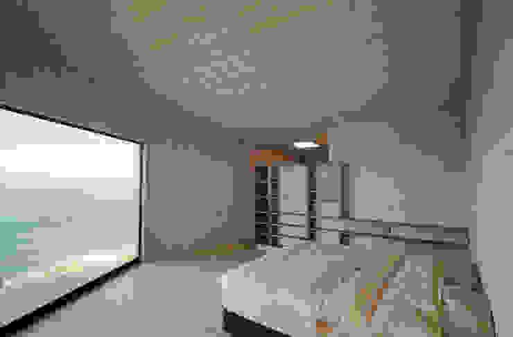 dormitorio Dormitorios de estilo minimalista de Whale! Minimalista