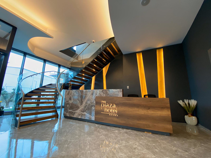 Moderne hotels van Pİ METAL TASARIM MERDİVEN Modern IJzer / Staal