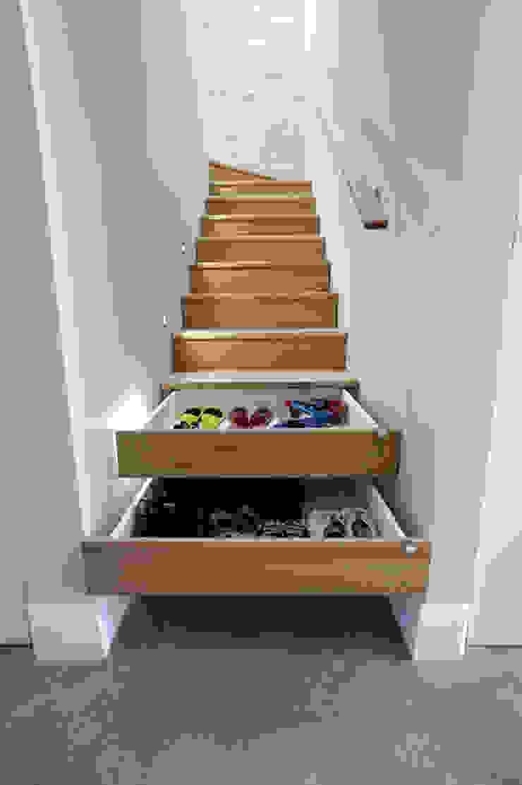 Ahşap merdivenlerde çekmece MERDİVENCİ Klasik Ahşap Ahşap rengi