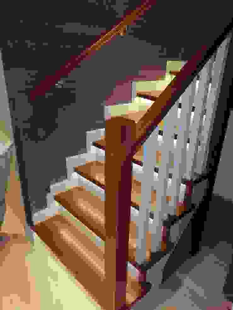 Dubleks merdiven ve küpeşte resimleri,led aydınlatmalı ahşap merdiven MERDİVENCİ Klasik Ahşap Ahşap rengi