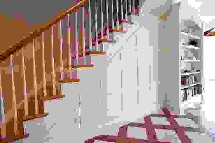 Merdiven altı dolap MERDİVENCİ Modern Ahşap Ahşap rengi