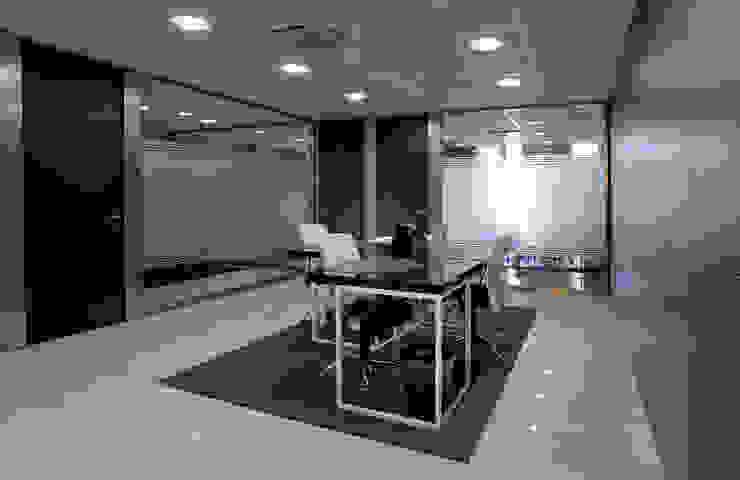 TABIQUES Y TECNOLOGIA MODULAR S.L Kantor & Toko Gaya Industrial Kaca Grey