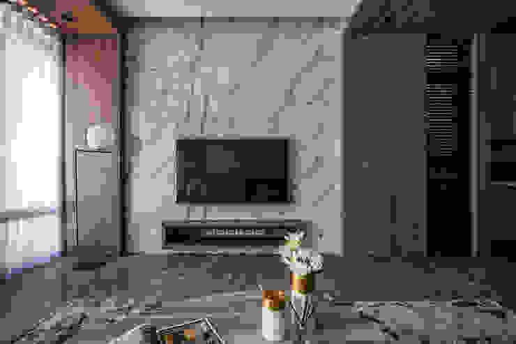 Eternal Moon – Residential Interior Design 勻境設計 Unispace Designs 现代客厅設計點子、靈感 & 圖片