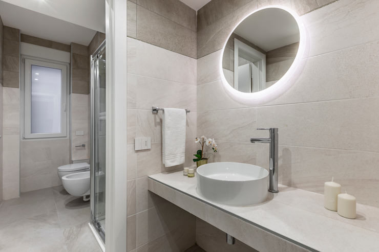Casa AJ Bagno moderno di Architrek Moderno