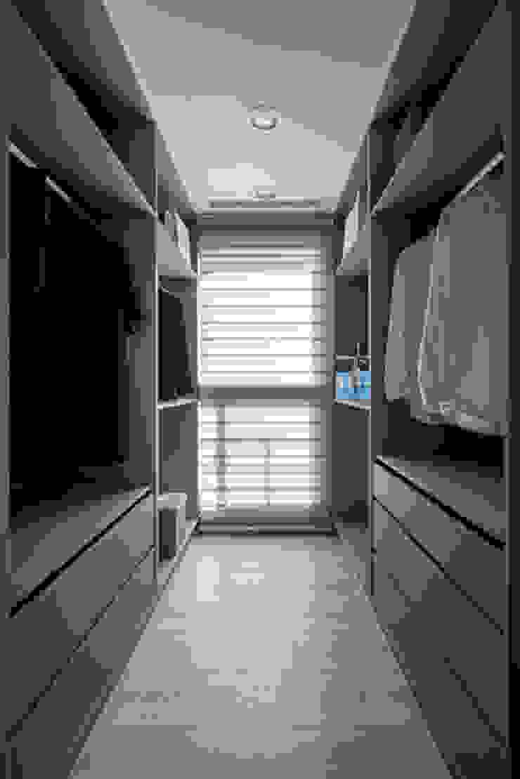 Completeness – Condominium interior design 勻境設計 Unispace Designs 更衣室
