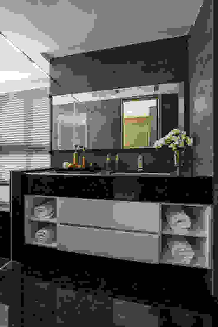 Completeness – Condominium interior design 勻境設計 Unispace Designs 現代浴室設計點子、靈感&圖片