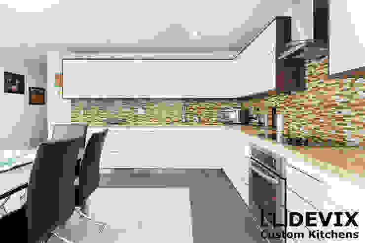 High-gloss kitchen cabinets by Devix kitchens Modern MDF