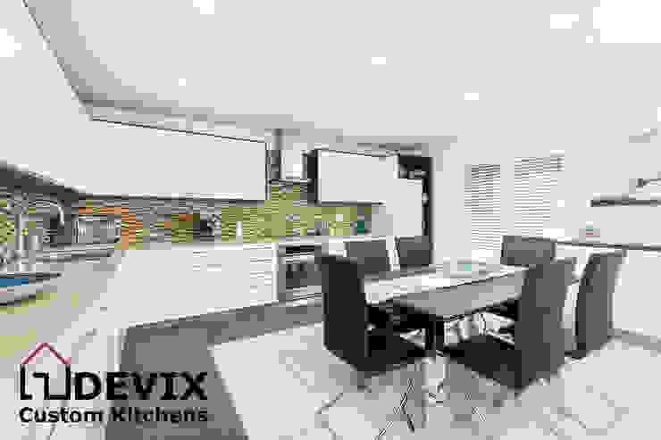 custom kitchen cabinets: modern  by Devix kitchens,Modern MDF