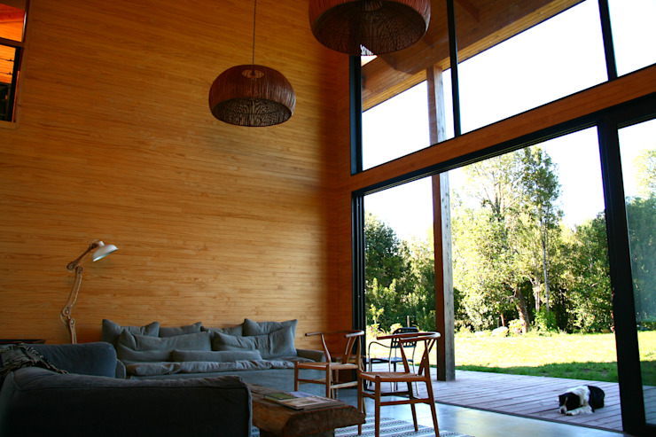 Casa Galpón GAV Livings de estilo minimalista