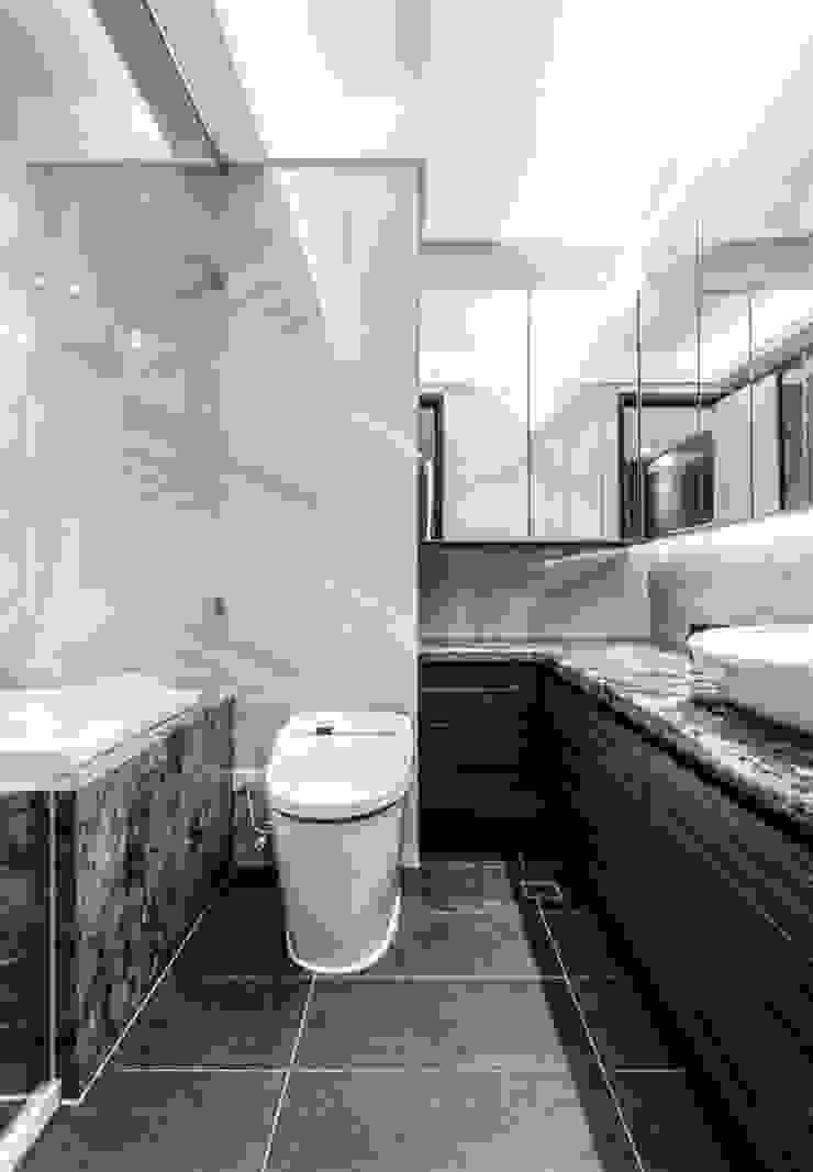 女兒房浴廁 現代浴室設計點子、靈感&圖片 根據 大企國際空間設計有限公司 現代風