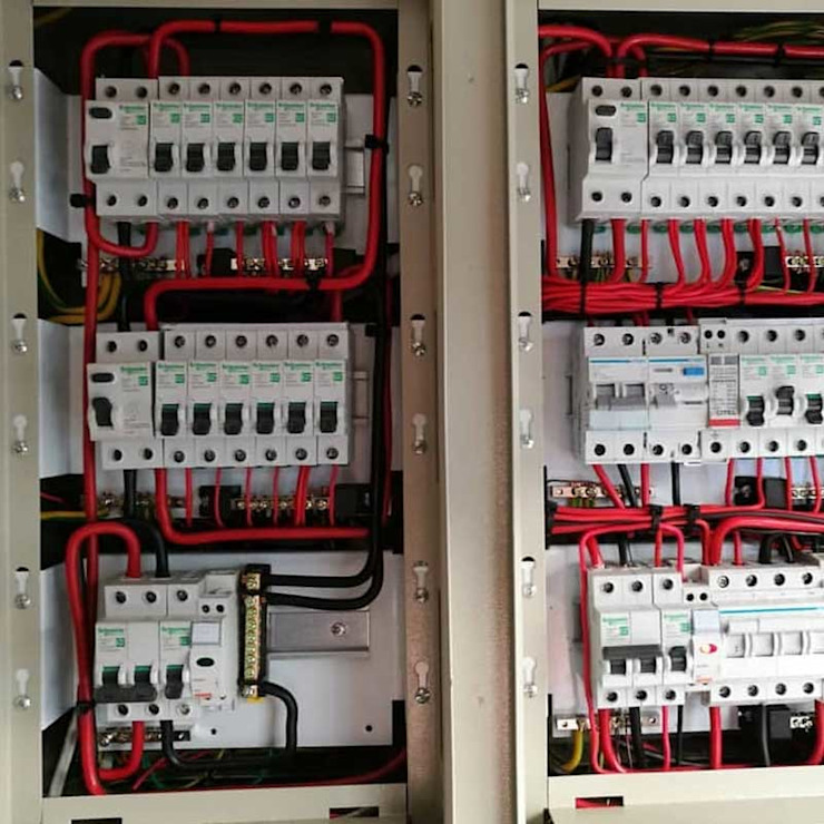 Tripping power repairs and general electrical power repairs Modern kitchen by Centurion Electricians and Plumbers (The Electric Plumber) Modern