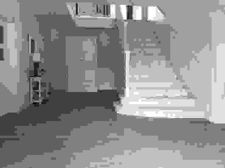 Herinrichting hal met marmeren trap Landelijke gangen, hallen & trappenhuizen van Marcotte Style Landelijk Hout Hout
