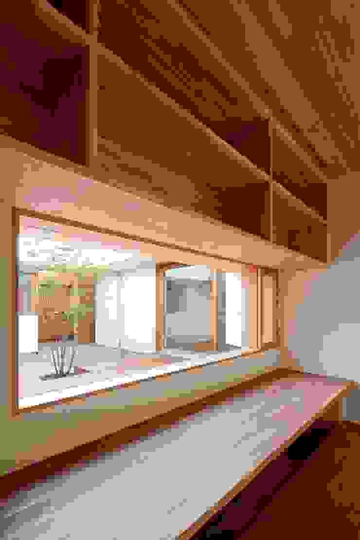 Phòng học/văn phòng phong cách Bắc Âu bởi 松原建築計画 一級建築士事務所 / Matsubara Architect Design Office Bắc Âu Gỗ Wood effect