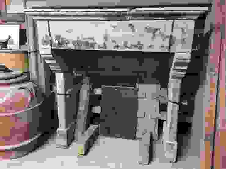 RECUPERANDO BRICK AND STONE Living roomFireplaces & accessories Stone Beige