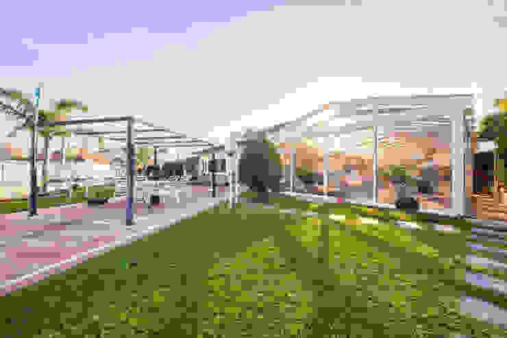 Moradia T3 com piscina na Gafanha da Nazaré. Next House Jardins clássicos