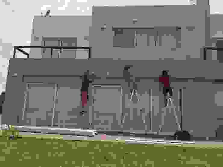 Toldos en viviendas y hoteles DIVERSA INTERIORISMO JardínPérgolas, toldos e invernaderos