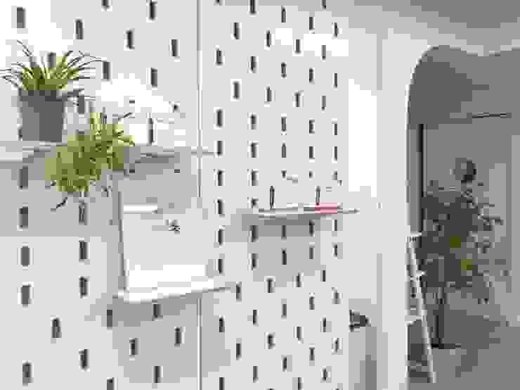 jun wan dumont Modern walls & floors Plywood White