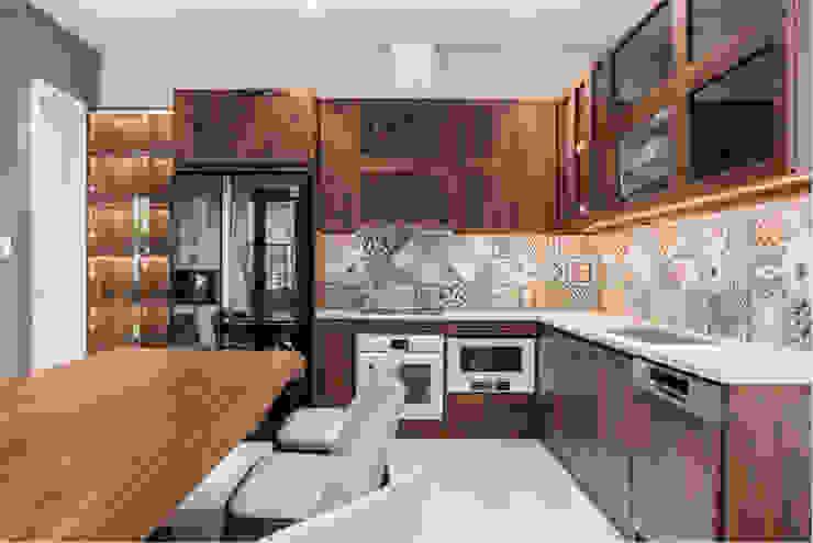 BIỆT THỰ VINHOMES THĂNG LONG Nhà bếp phong cách kinh điển bởi Neo Classic Interior Design Kinh điển