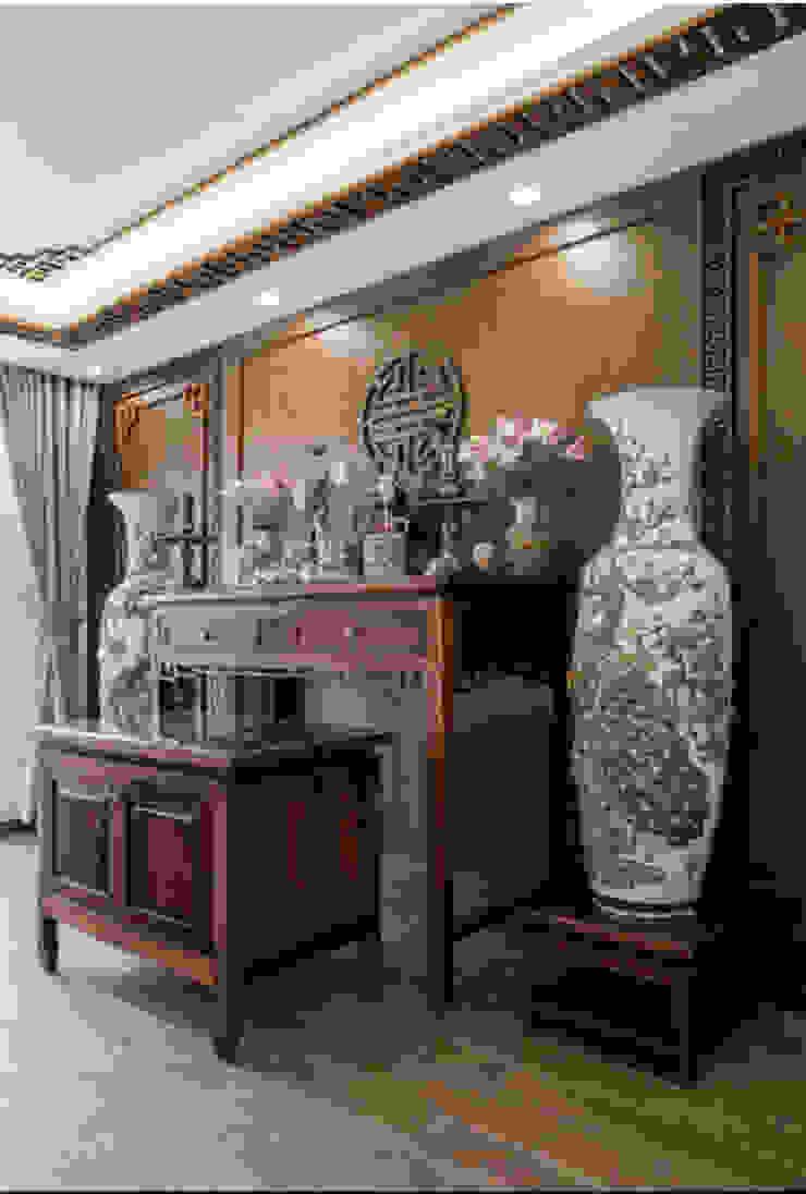 BIỆT THỰ VINHOMES THĂNG LONG Nhà phong cách kinh điển bởi Neo Classic Interior Design Kinh điển